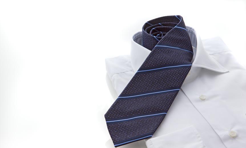 証明写真はネクタイの色で印象をコントロール!