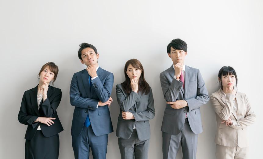 就活で撮る証明写真のスーツは色や柄の決まりがあるの?