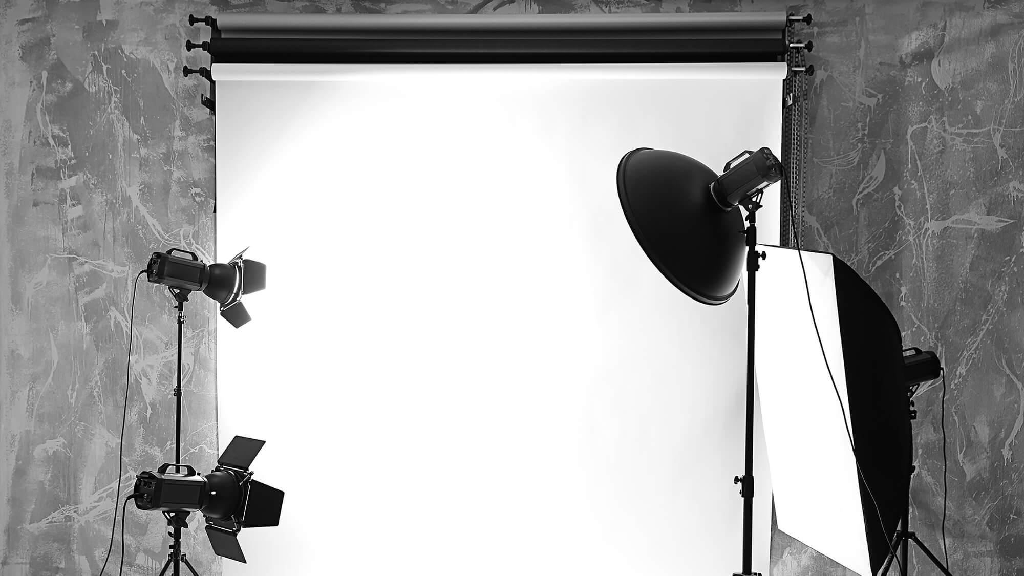 プロカメラマンが語る!スピード写真やアプリにはないフォトスタジオの技術と魅力とは