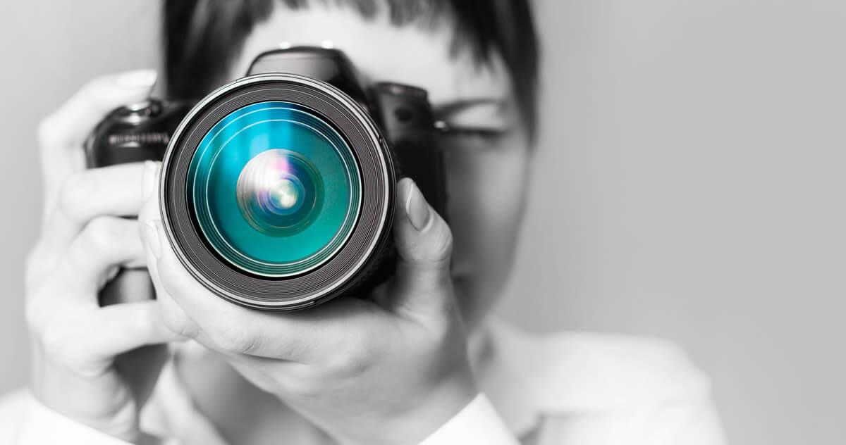 プロカメラマンに聞く!どんな人でも綺麗に証明写真を撮るためにしている工夫は?