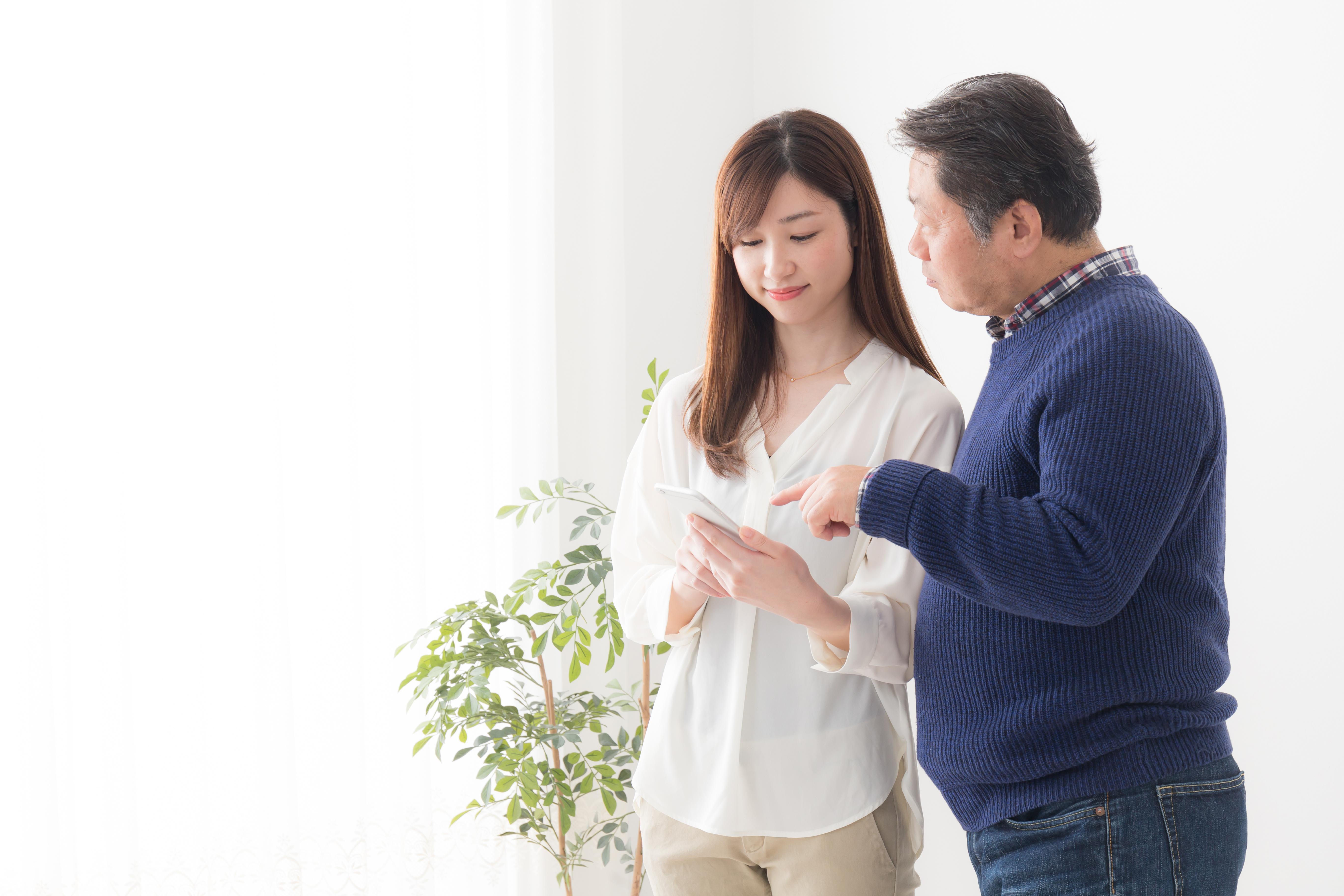 親の助言・サポートはどのくらい受け入れるべきなのか|就活生の追い風になる親・足枷になる親