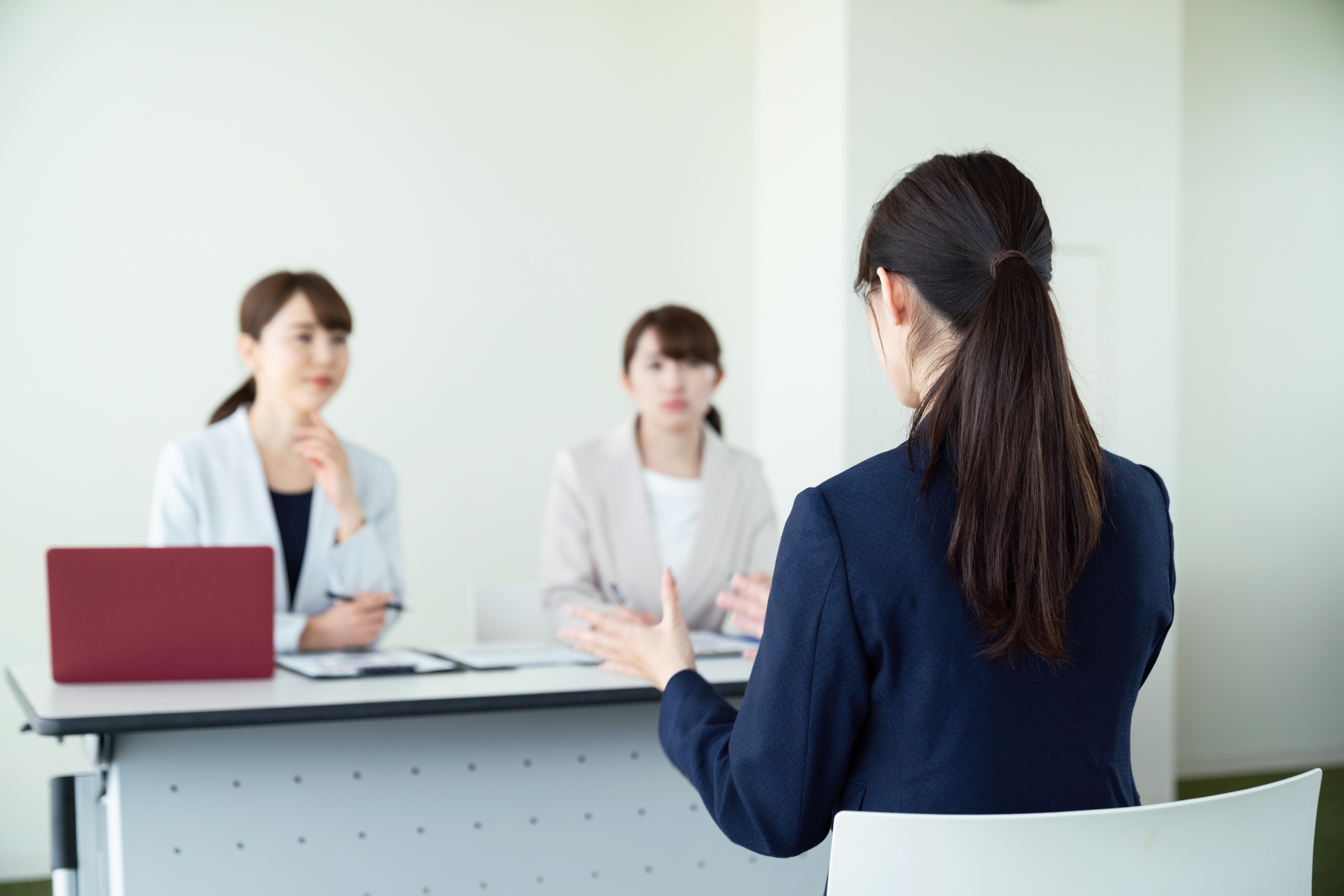 理想と現実のギャップに要注意!入社後に後悔しないための新卒の退職理由の知識